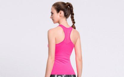 Розовая майка женская для фитнеса спина